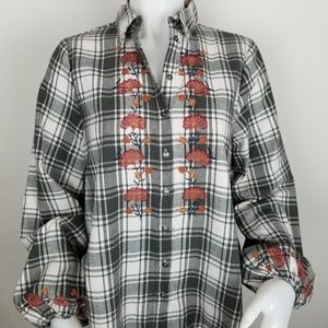 Knox Rose XS Plaid Button Down Embroidered Shirt
